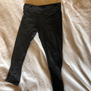 LULULEMON crop leggings. Black size 4